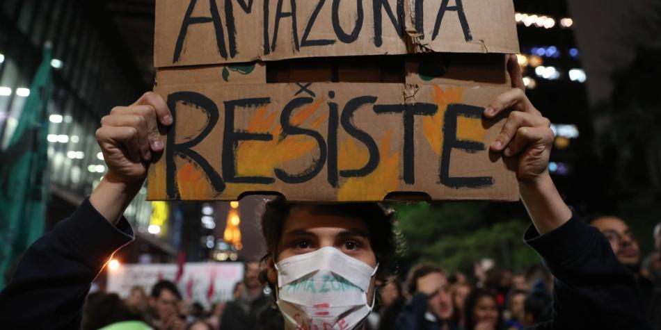 El mundo, indignado con Bolsonaro por inacción en incendios amazónicos