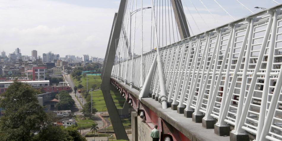¡Ojo! el viaducto César Gaviria, de Pereira, está bloqueado