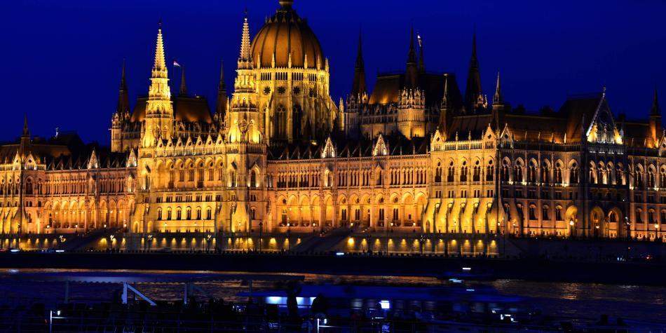Budapest: el mayor sistema de cuevas y manantiales termales del mundo
