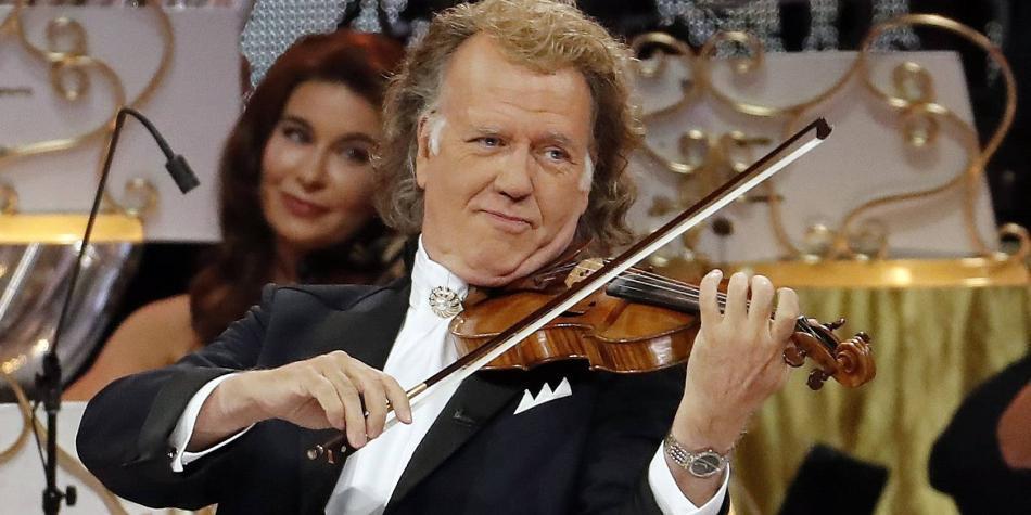 André Rieu tocó hasta el himno nacional en su primer show en Bogotá