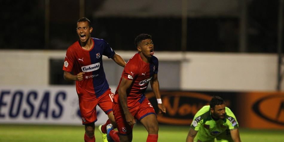 Medellín reacciona, con contundente victoria en Envigado