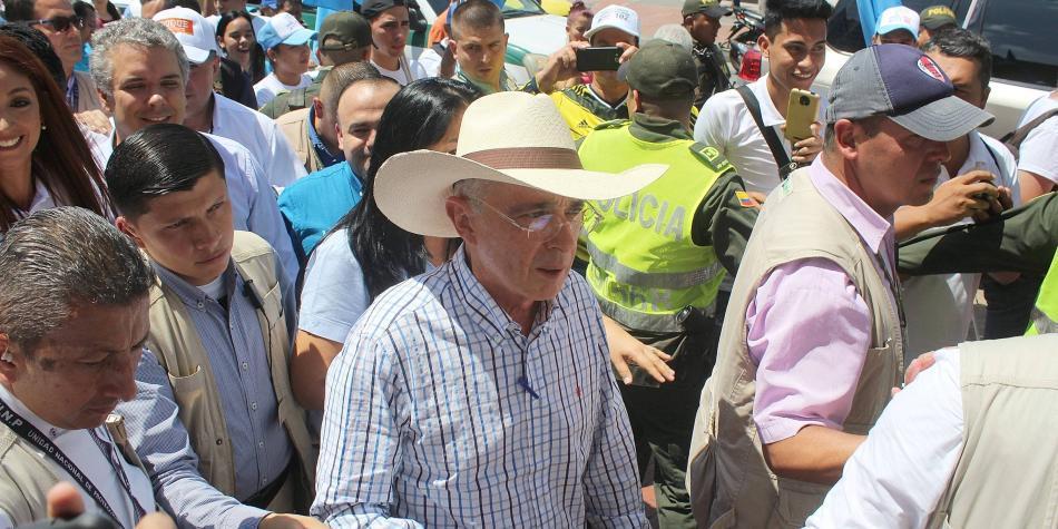 Así han sido las últimas horas de Uribe, tras las elecciones