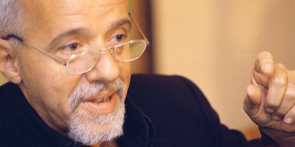 La dura carta de Paulo Coelho a Jair Bolsonaro, presidente de Brasil