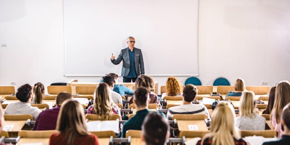 Nivel socioeconómico determina la carrera que escogen universitarios