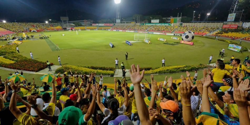 Un hincha cayó al vacío y murió en el estadio de Bucaramanga