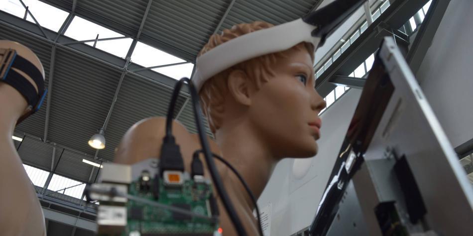 Los 'wearables' que buscarían confundir el reconocimiento facial