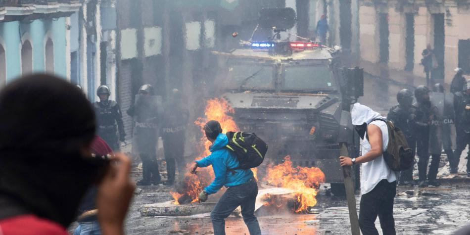 Las medidas pactadas con FMI que desataron violenta crisis en Ecuador