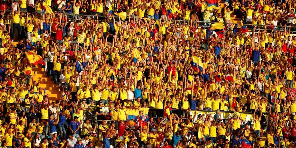 Duro golpe de la policía de España en el partido Colombia vs. Chile