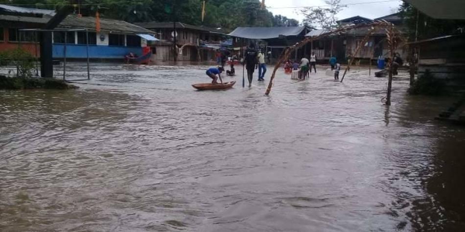 Río Yurumanguí sacó corriendo a familias de 20 zonas de Buenaventura