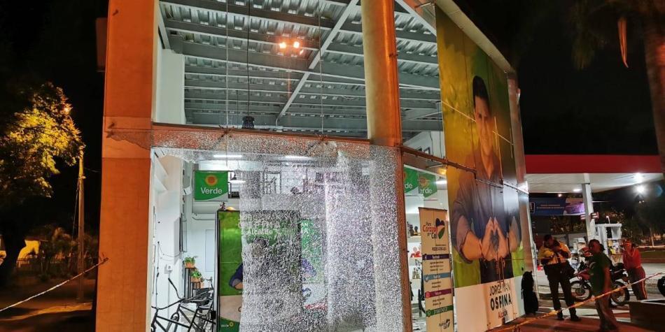 Atacaron a bala la sede de candidato a la Alcaldía Jorge Iván Ospina