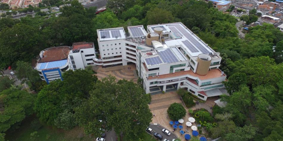 Edificio de universidad en Bucaramanga funciona con paneles solares