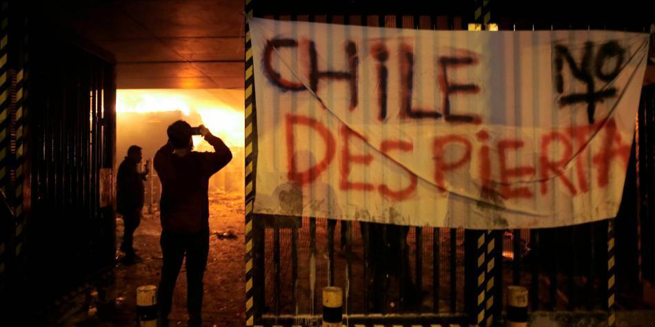 Decretan estado de emergencia de 15 días en Santiago por protestas