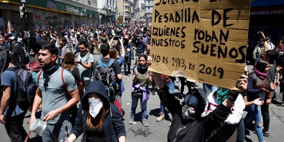 Sebastián Piñera llama a acuerdo nacional en Chile para superar crisis