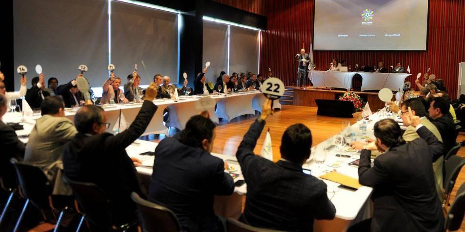 Antes de reunión con Uribe, comunicado de los opositores de Dimayor