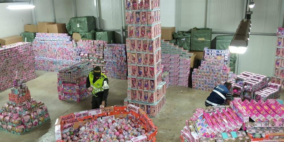 Resultado de imagen para Se le dañó la navidad a red de tráfico de juguetes