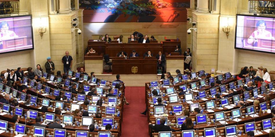Aplazan votación de la reforma tributaria en la Cámara para el lunes