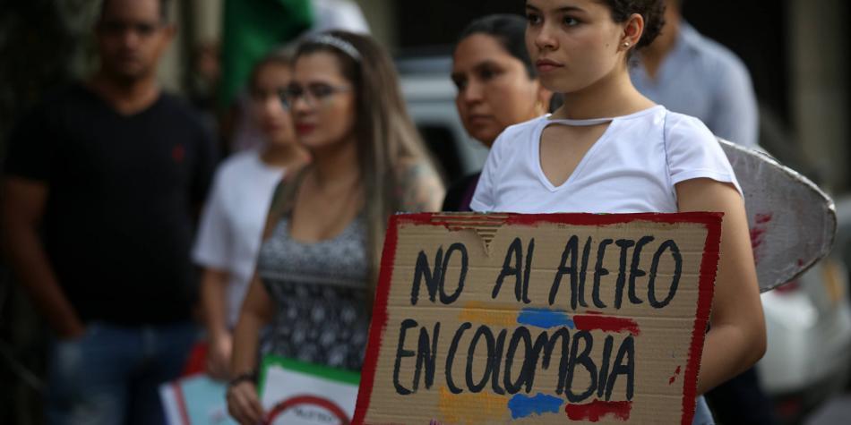 Pesca de tiburones en Colombia, un debate profundo