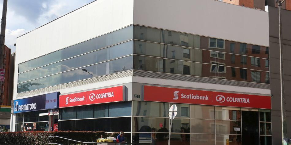 Scotiabank Colpatria tras estudiantes y recién graduados en tecnología
