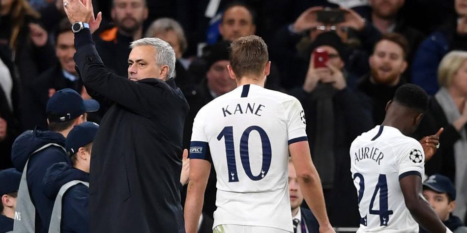 Recogebolas le ayuda al Tottenham de Mourinho en su victoria