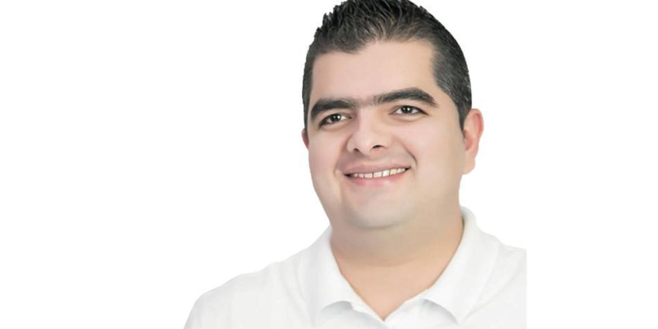 Polémica por informe preliminar sobre título del senador Julián Bedoya