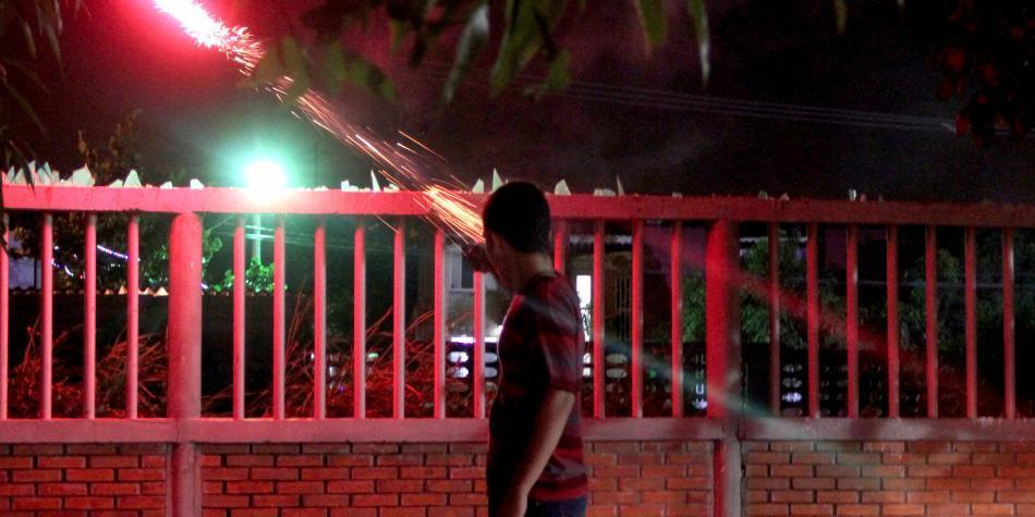 Cuatro quemados con pólvora en Córdoba en la Noche de las Velitas