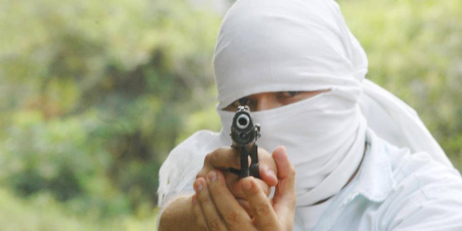 Dos muertos y una mujer embarazada herida tras tiroteo en el Cauca
