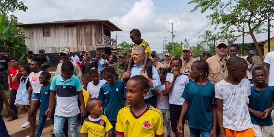 Duras críticas en las redes a Duque por video en el Chocó