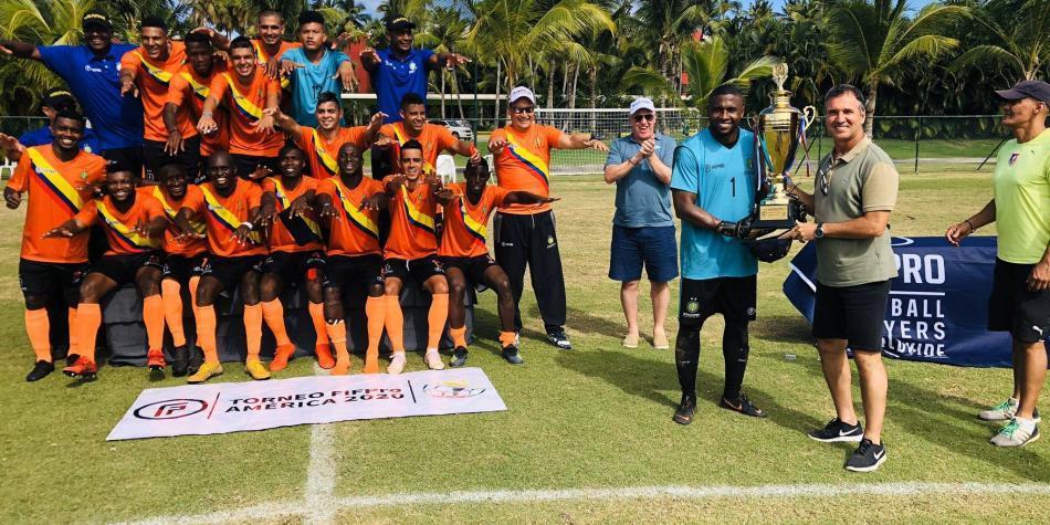 Jugadores colombianos sin contrato, campeones