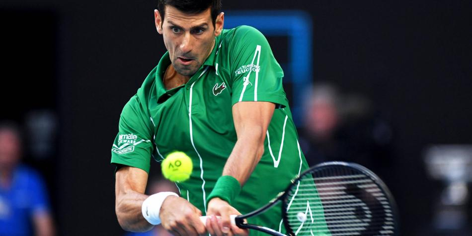 Muy curioso: Djokovic cambia las raquetas por sartenes