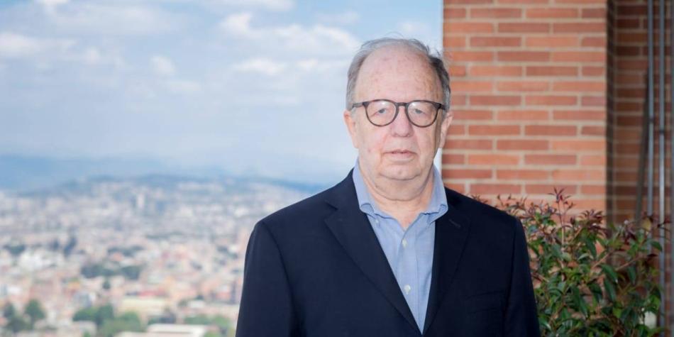 Falleció el profesor Roberto Zarama, autor del programa Ser Pilo Paga