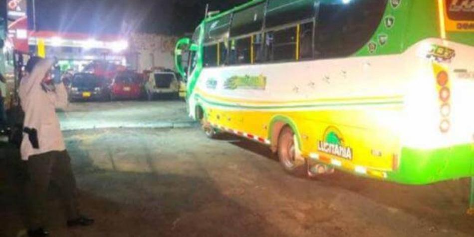 Militar retirado desarmó y mató a un presunto ladrón dentro de un bus