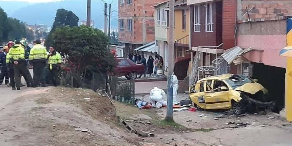 Aparatoso accidente de taxi en Tunja deja dos personas muertas