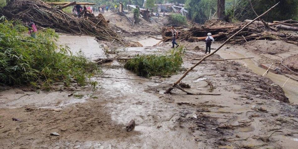 Alud en Santander: tres muertos y vía a Bucaramanga cerrada