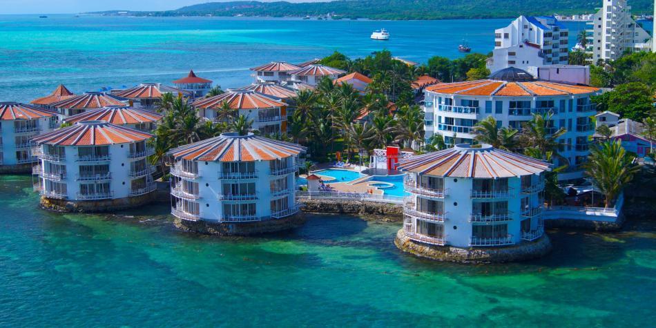 Hoteles piden al Gobierno medidas para evitar 'naufragio' de su sector