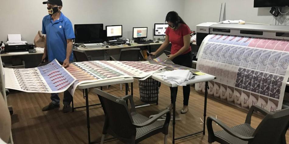 Barranquillero reinventó su negocio de confecciones por el covid-19