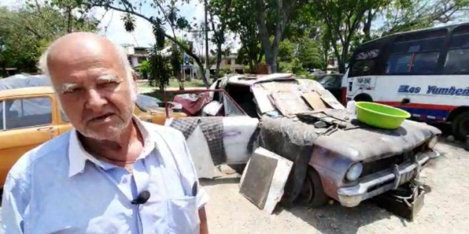 La historia del hombre que pasa cuarentena adentro de un carro en Cali