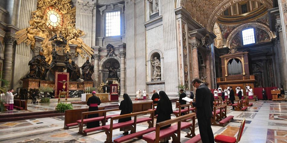 Jueves Santo: sin feligreses, papa Francisco conmemoró la última cena