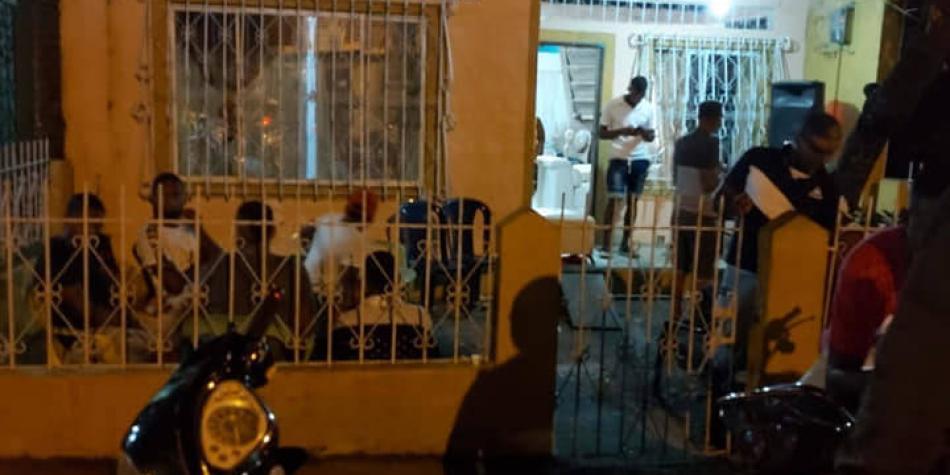 En Tumaco arrebatan féretros con víctimas de covid-19