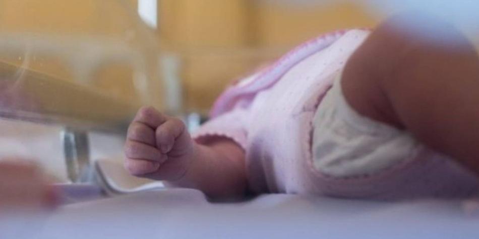 Padres enterraron a recién nacida pensando que estaba muerta