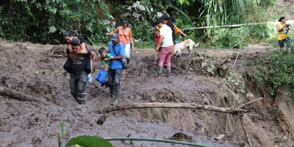 Dos muertos y daños en vías y cultivos deja el invierno en Tolima