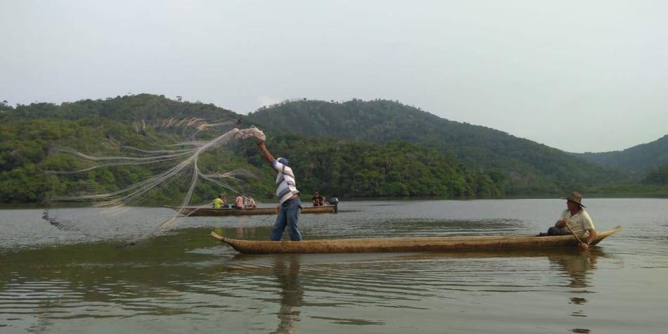 La travesía de protesta, por la muerte de la pesca,partirá desde Montecristo (Bolívar) e irá hasta el puente Yati-Bodega.