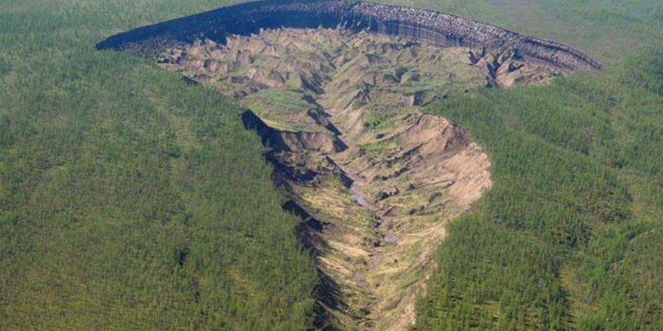 'Puerta al Infierno': por qué no deja de crecer este cráter en Rusia