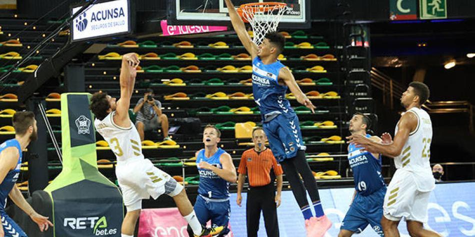 Buen debut del colombiano Echenique en la Liga de baloncesto de España