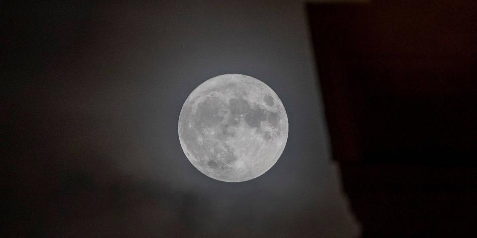 Sonda china Chang'e 5 ya recolectó muestras del suelo lunar