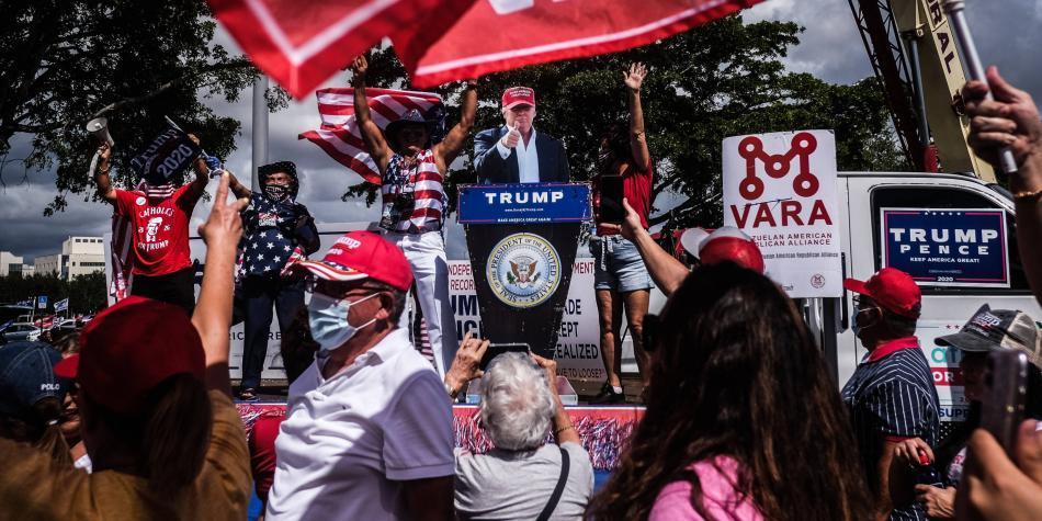 'Cucarachas a favor del Raid': John Leguizamo sobre latinos con Trump