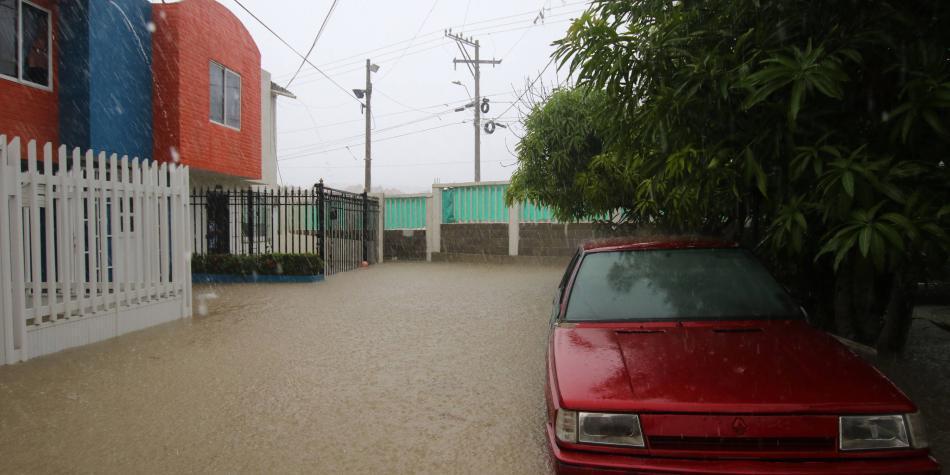 Registran fuertes lluvias en el Caribe colombiano por tormenta Iota