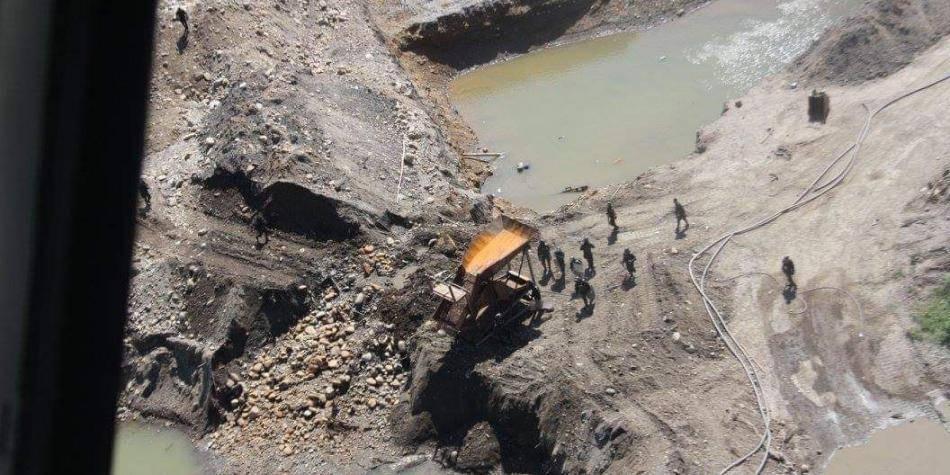 Golpe a la minería ilegal de oro que destruía cuencas en Nariño