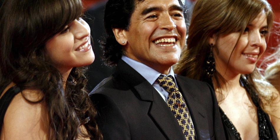 Quién es quién en la guerra que se desató con la familia de Maradona