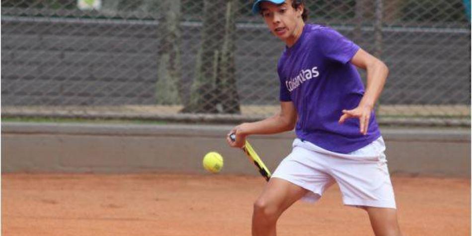 Arcila lidera legión colombiana en clasificatorio al ITF de Medellín