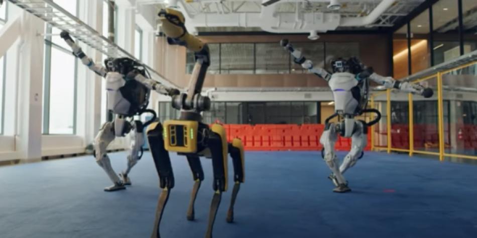 La increíble coreografía de cuatro robots que se volvió viral